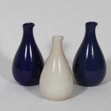 Arabia KA etikkakaatimet, eri värejä, 3 kpl, suunnittelija , koristelematon