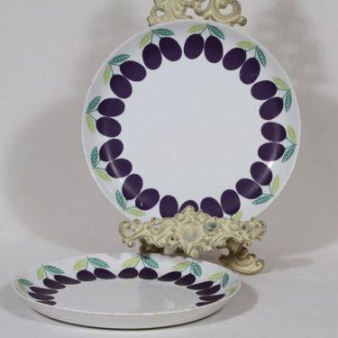 Arabia Pomona lautaset, matala, 2 kpl, suunnittelija Raija Uosikkinen, matala, luumu, serikuva, retro