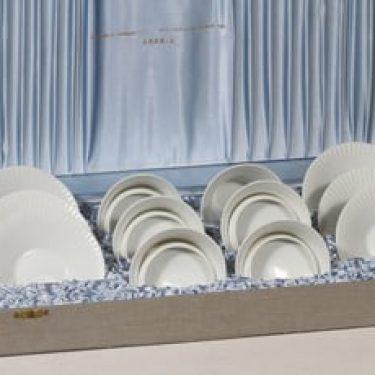 Arabia jälkiruokakulhot kannella ja lautaset, valkoinen, 6 kpl, suunnittelija , signeerattu