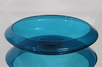 Riihimäen lasi Harlekiini malja, sininen, suunnittelija Nanny Still, suuri