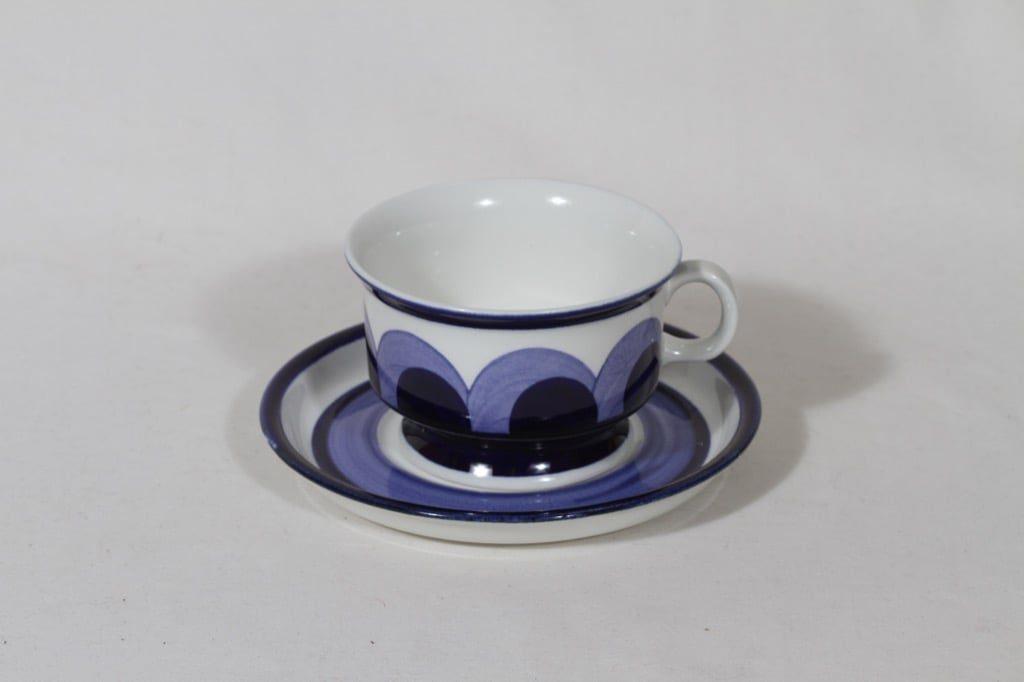 Arabia Paju teekuppi, 22.5 cl, suunnittelija Anja Jaatinen, 22.5 cl, käsinmaalattu, signeerattu