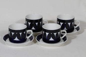 Arabia Sotka teekupit, käsinmaalattu, 4 kpl, suunnittelija Raija Uosikkinen, käsinmaalattu, retro