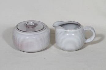 Arabia ARA sokerikko ja kermakko, valkoinen lasite, suunnittelija Michael Schilkin,