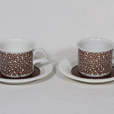 Arabia Faenza kahvikupit, ruskeakukka, 2 kpl, suunnittelija Inkeri Seppälä, ruskeakukka, serikuva