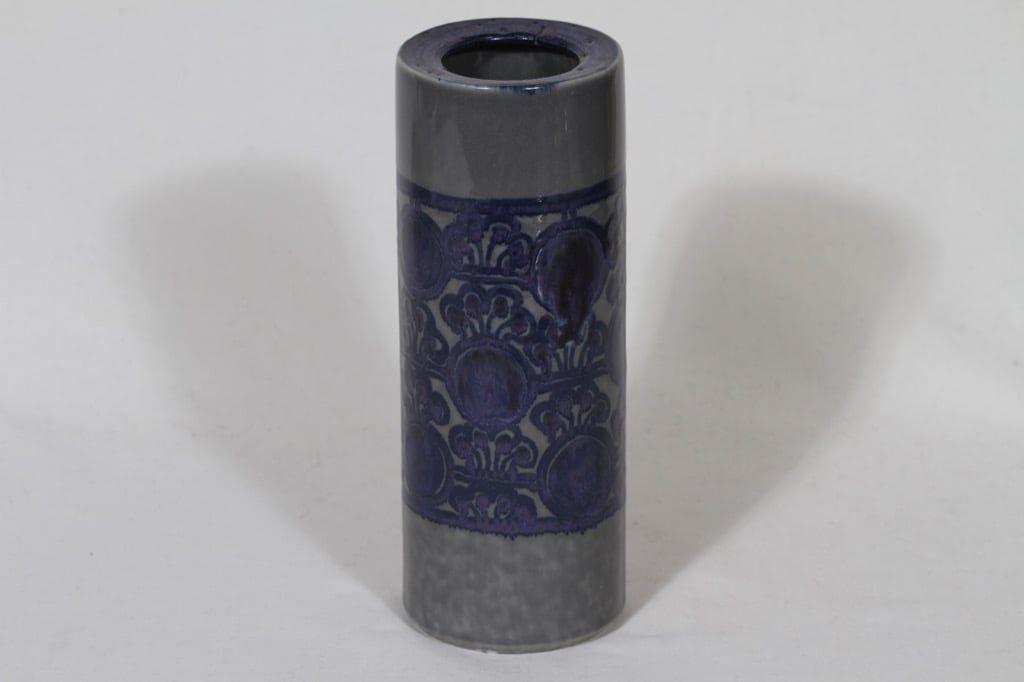 Arabia maljakko, käsinmaalattu, suunnittelija Anja Jaatinen, käsinmaalattu, signeerattu, retro
