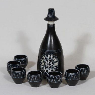 Arabia Tarina karahvi ja pikarit, musta, 7 kpl, suunnittelija , pieni, käsinraaputettu