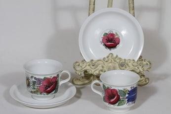 Arabia Valmu kahvikupit, 2 kpl, suunnittelija Esteri Tomula, serikuva, kukka-aihe