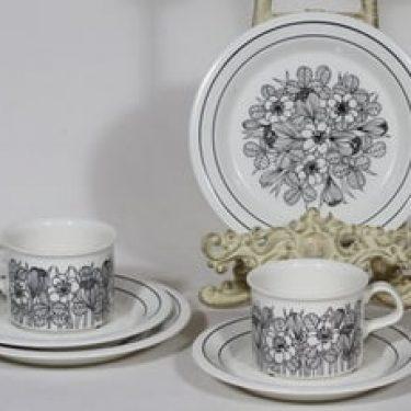 Arabia Krokus kahvikupit ja lautaset, musta, 2 kpl, suunnittelija Esteri Tomula, serikuva