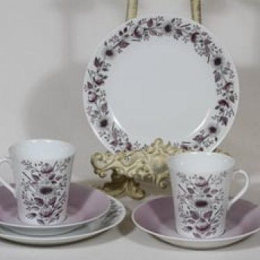 Arabia Tea kahvikupit ja lautaset, käsinmaalattu, 2 kpl, suunnittelija Esteri Tomula, käsinmaalattu, signeerattu