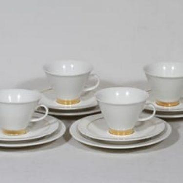 Arabia Harlekin Gold kahvikupit ja lautaset, 4 kpl, suunnittelija Inkeri Leivo, kullattu koriste