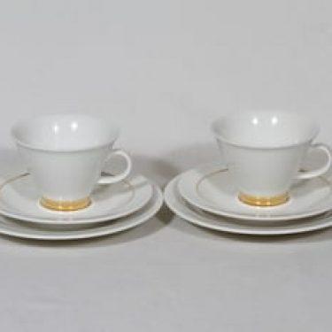 Arabia Harlekiini kahvikupit ja lautaset, 2 kpl, suunnittelija Inkeri Leivo, kullattu koriste
