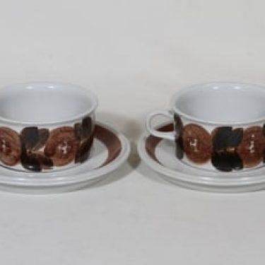 Arabia Rosmarin teekupit, käsinmaalattu, 2 kpl, suunnittelija Raija Uosikkinen, käsinmaalattu, signeerattu
