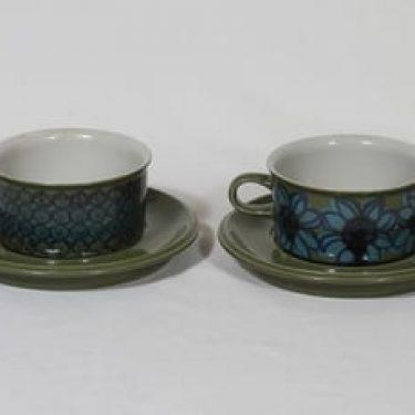 Arabia Sarja II/RU 4 teekupit, käsinmaalattu, 2 kpl, suunnittelija Hilkka-Liisa Ahola, käsinmaalattu, signeerattu, retro
