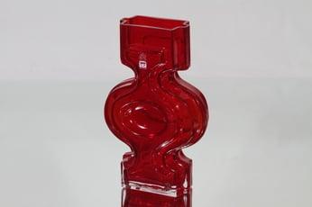 Riihimäen lasi Emma maljakko, rubiininpunainen, suunnittelija Helena Tynell,