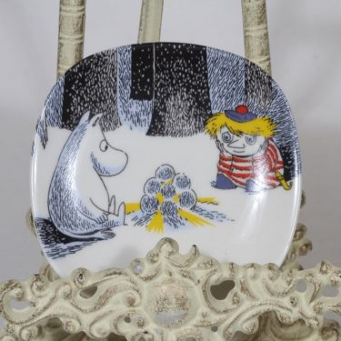 Arabia Muumi koristelautanen, Taikatalvi, suunnittelija Tove Slotte, Taikatalvi, pieni, serikuva