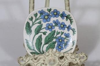 Arabia Botanica decorative plate, Luhtalemmikki, designer Esteri Tomula, small, silk screening