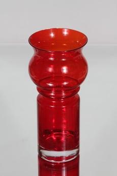 Riihimäen lasi Tulppaani maljakko, rubiininpunainen, suunnittelija Tamara Aladin,