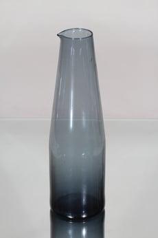 Iittala i-403 karahvi, siniharmaa, suunnittelija Timo Sarpaneva,
