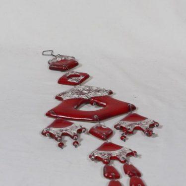 Kalevala Koru seinäkoriste, punainen, suunnittelija , käsityö