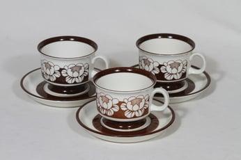 Arabia Katrilli kahvikupit, ruskea, 3 kpl, suunnittelija Esteri Tomula, serikuva