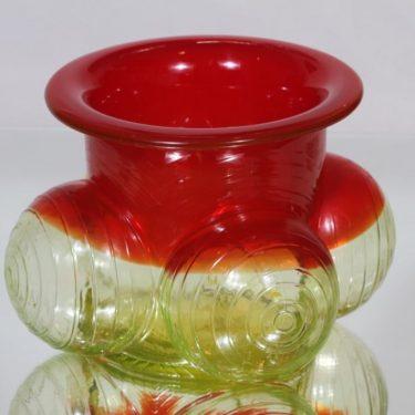 Riihimäen lasi 1301 maljakko, punainen-keltainen, suunnittelija Nanny Still, signeerattu, retro