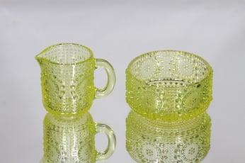 Riihimäen lasi 5565, 5566 sokerikko ja kermakko, keltainen, suunnittelija Nanny Still,