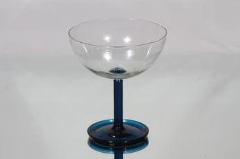 Riihimäen lasi Ultra malja, kirkas-sininen, suunnittelija Nanny Still,