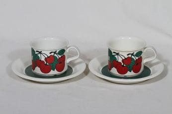 Arabia Kirsikka kahvikupit, punainen, 2 kpl, suunnittelija Inkeri Leivo, serikuva