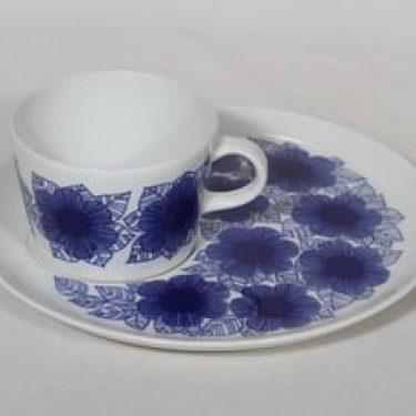 Arabia Malva erikoiskuppi- ja lautanen, sininen, suunnittelija Esteri Tomula, serikuva