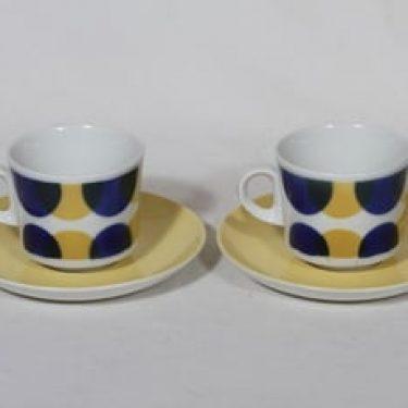Arabia BR kahvikupit, sininen-keltainen, 2 kpl, suunnittelija Görän Bäck, puhalluskoriste, nimetön koriste