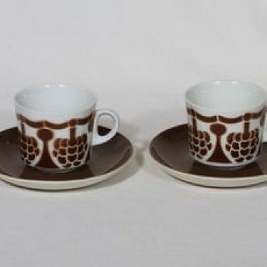 Arabia BR kahvikupit, ruskea, 2 kpl, suunnittelija Görän Bäck, puhalluskoriste, nimetön koriste