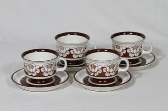 Arabia Katrilli kahvikupit, ruskea, 4 kpl, suunnittelija Esteri Tomula, serikuva