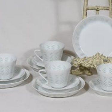 Arabia Helmi kahvikupit ja lautaset, riisiposliini, 4 kpl, suunnittelija Friedl Holzer-Kjellberg, riisiposliini, 15 cl, massasigneerattu