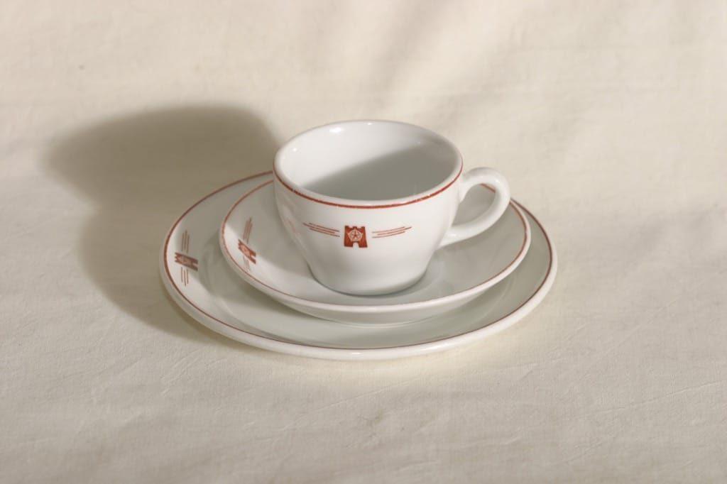 Arabia OZ kahvikuppi, Kela-logo, suunnittelija , Kela-logo