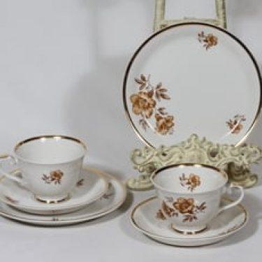 Arabia Myrna kahvikupit ja lautaset, 2 kpl, suunnittelija Olga Osol, serikuva, kukka-aihe