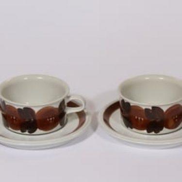 Arabia Rosmarin teekupit, käsinmaalattu, 2 kpl, suunnittelija Ulla Procope, käsinmaalattu, signeerattu