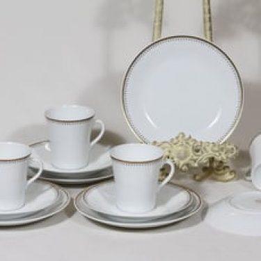 Arabia Helios kahvikupit ja lautaset, 4 kpl, suunnittelija Raija Uosikkinen, serikuva, ornamentti