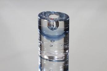 Iittala Arktia kynttilänjalka, kirkas-sininen, suunnittelija Timo Sarpaneva, pieni, massiivinen