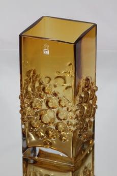 Riihimäen lasi Musica maljakko, amber, suunnittelija Tamara Aladin,