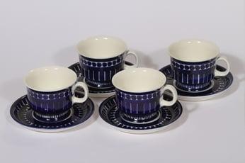 Arabia Valencia kahvikupit, käsinmaalattu, 4 kpl, suunnittelija Ulla Procope, käsinmaalattu, signeerattu