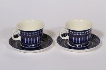 Arabia Valencia kahvikupit, käsinmaalattu, 2 kpl, suunnittelija Ulla Procope, käsinmaalattu, signeerattu