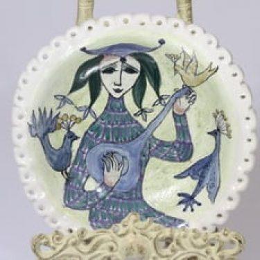 Arabia seinälautanen, käsinmaalattu, suunnittelija Hilkka-Liisa Ahola, käsinmaalattu, käsityö, soittaja-aihe, umiikki