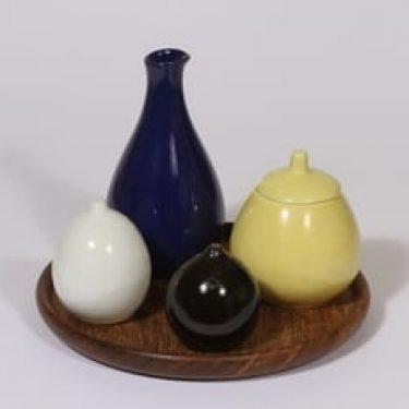 Arabia KA mausteikko ja tarjotin, 4 osaa, suunnittelija , 4 osaa, Teak-alusta