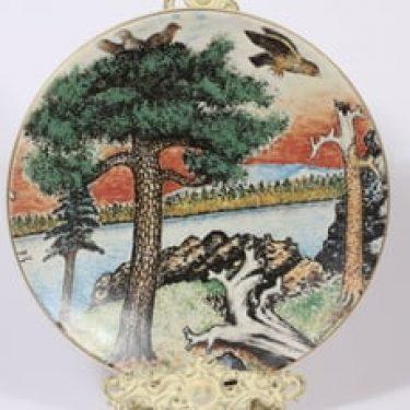 Arabia koristelautanen, lappalainen, suunnittelija Andreas Alariesto, lappalainen, suuri, serikuva, lappalaisaihe