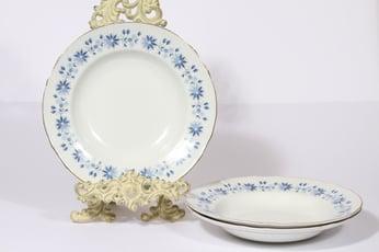 Arabia Fenno lautaset, syvä, 3 kpl, suunnittelija Aune Laukkanen, syvä, pieni, serikuva, kukka-aihe
