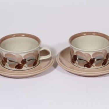 Arabia Koralli teekupit, käsinmaalattu, 2 kpl, suunnittelija Raija Uosikkinen, käsinmaalattu, kukka-aihe