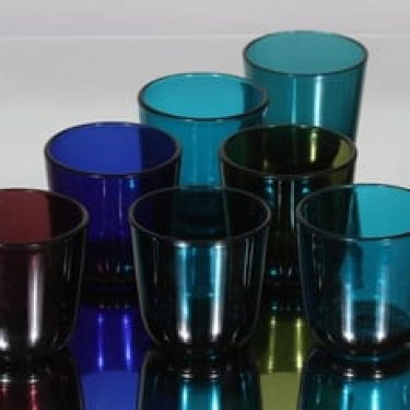 Nuutajärvi 5023 lasit, eri värejä, 7 kpl, suunnittelija Kaj Franck,