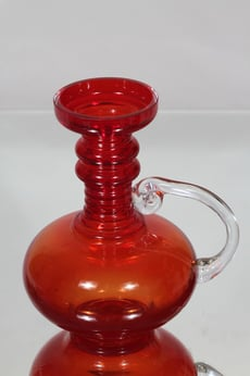 Riihimäen lasi Kleopatra maljakko, punainen, suunnittelija Tamara Aladin,