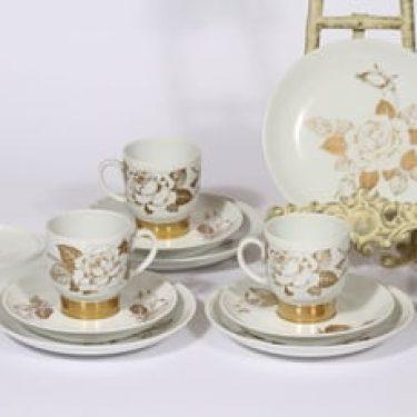 Arabia Kultaruusu kahvikupit ja lautaset, kulta, 4 kpl, suunnittelija Raija Uosikkinen, serikuva