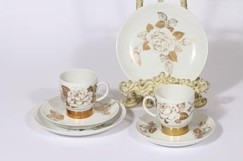 Arabia Kultaruusu kahvikupit ja lautaset, kulta, 2 kpl, suunnittelija Raija Uosikkinen, serikuva